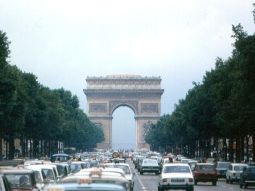 les champs elysees paris