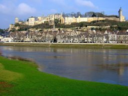 chinon france hotels